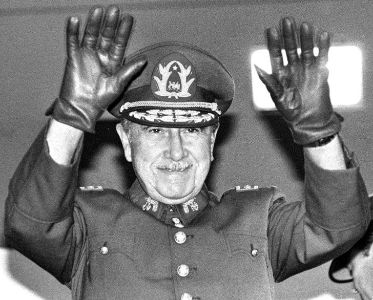 Аугусто Пиночет, конец диктатора, Аугусто Пиночет биография