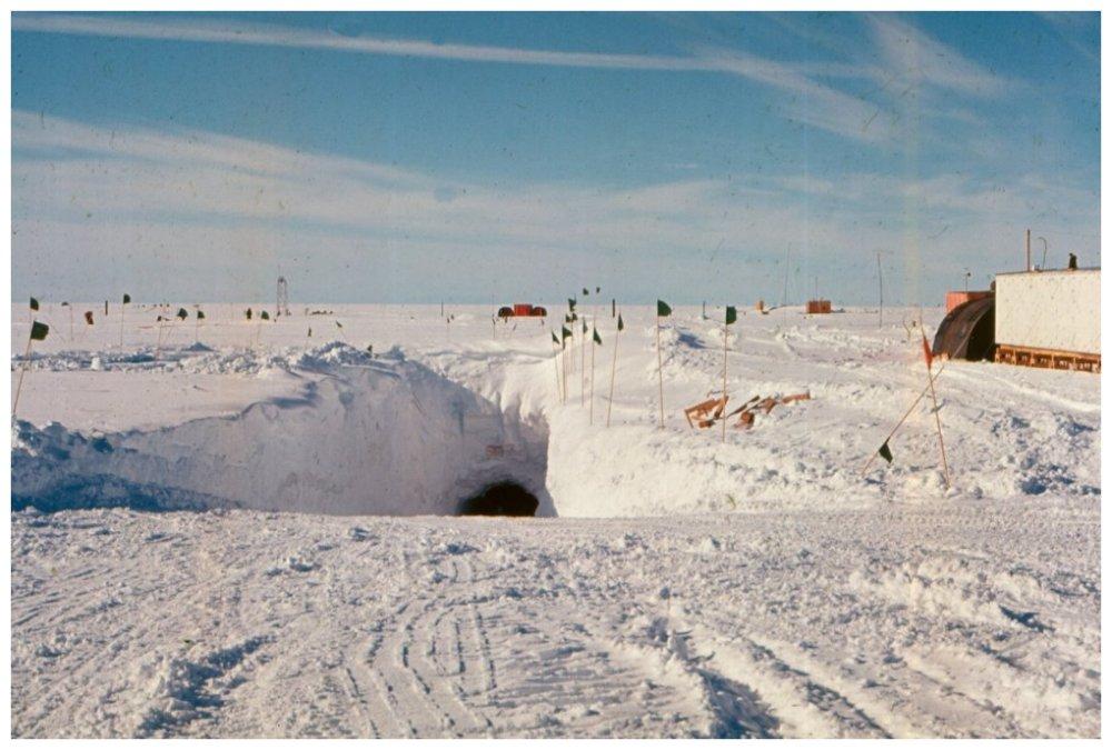 Военная база США Camp Century, военная база в Гренландии, Camp Century, военная база подо льдом, операция Ледяной червь, база США в Арктике, авиабазы Thule, секретная база в Гренландии